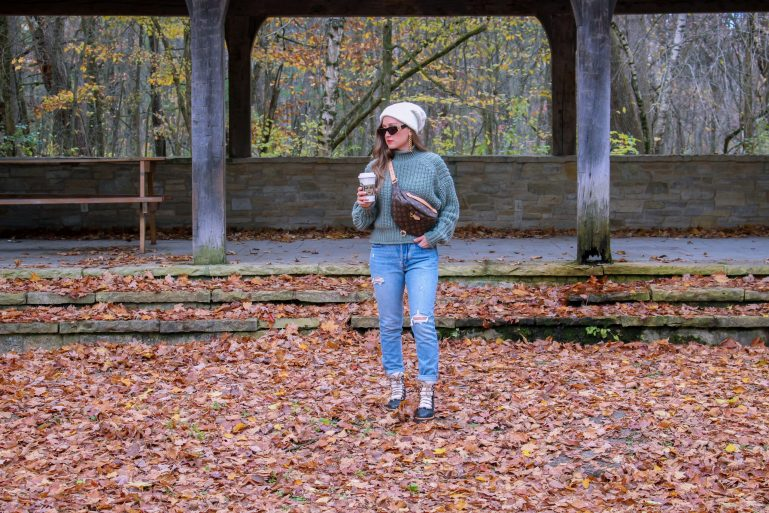 Casual Fall Outfit: Chunky Sweater and Beanie